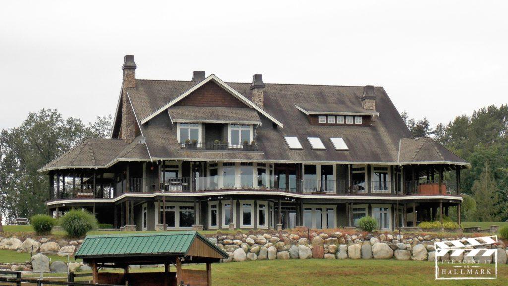 Bramble House Christmas.The Inn From Moonlight In Vermont I Ve Scene It On Hallmark